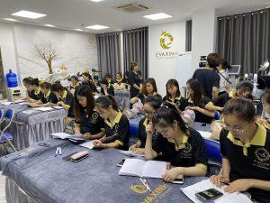 Chọn cơ sở đào tạo khóa học nail chuyên nghiệp uy tín